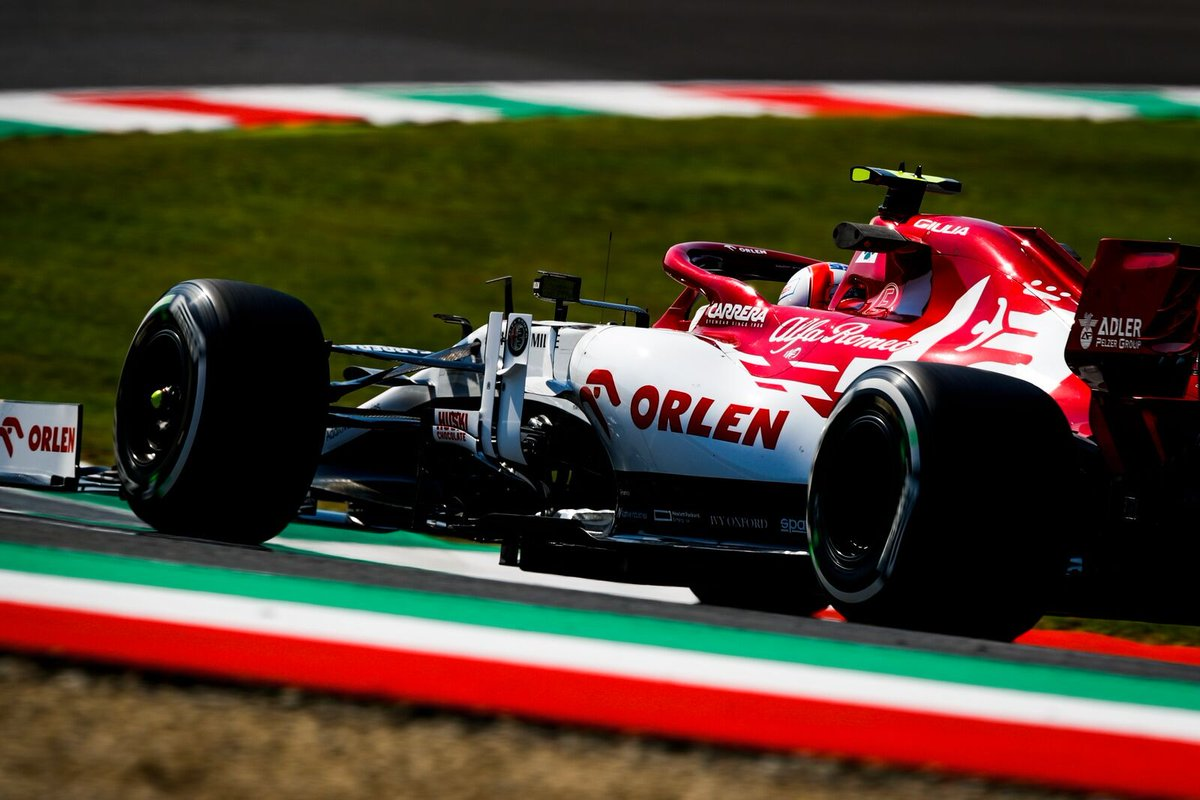 ...e sembra di volare fra le pieghe di una bandiera 🇮🇹 #TuscanGP #F1 #Formula1 #AlfaRomeoRacing #ORLEN https://t.co/nRuQe3rcTT