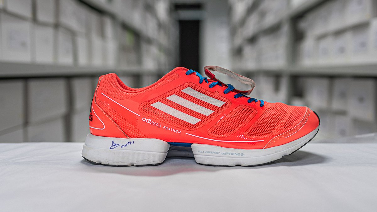 At the 2011 Boston Marathon, Geoffrey Kiprono Mutai sped through the streets of Boston in the adizero Feather in a lightning-fast time of 2:03.02. It may not have been an official world record but it was a landmark moment in long-distance running on a tough course.