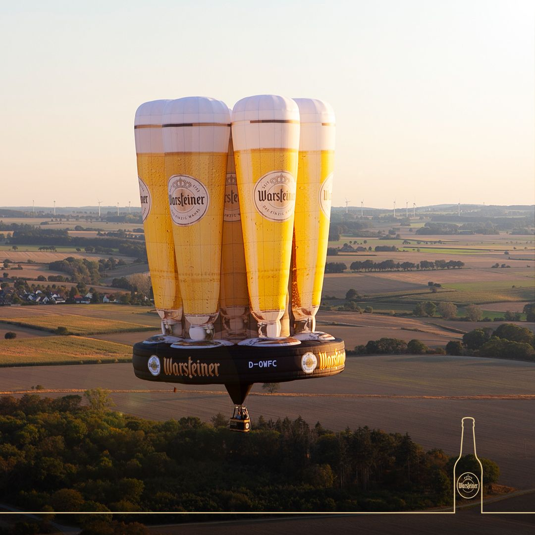 Forget about 99 red balloons...instead we are conquering the sky of Warstein this weekend with our floating pilsner tulips to celebrate 30 years of the Warsteiner Internationale Montgolfiade! https://t.co/svyNcdb2OO