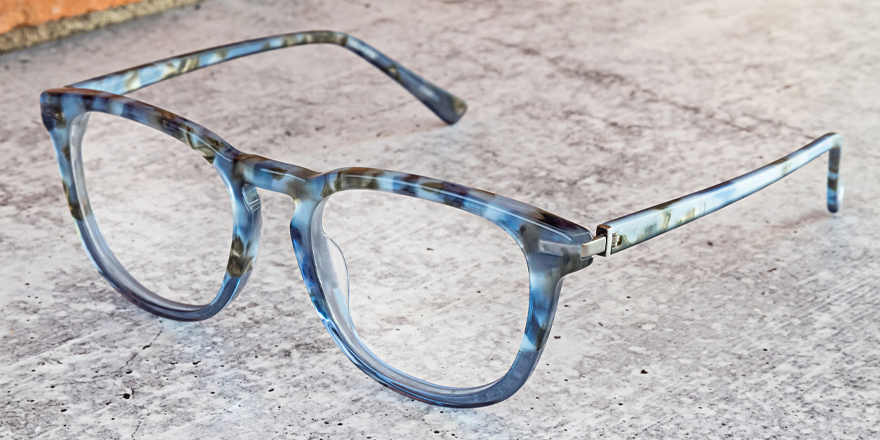 This pair of #JOEEyewear has camo-like tortoise acetate detailing, which features crystal gradient fronts and matte, soft to the touch temples for a masculine yet comfortable look (style JOE4083). @JosephAbboud #AltairEyewear https://t.co/pNvTrpAcWJ