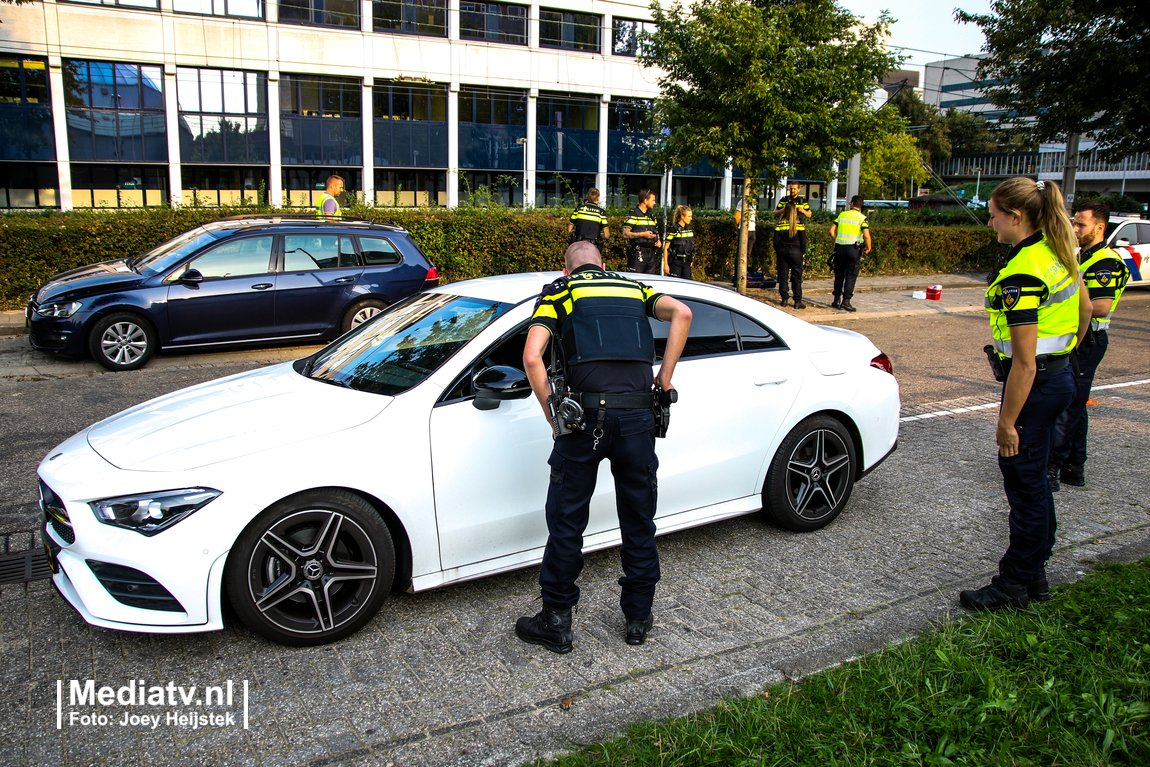 """Rotterdam-Ommoord """"op slot"""" tijdens grote politie-actie -.."""