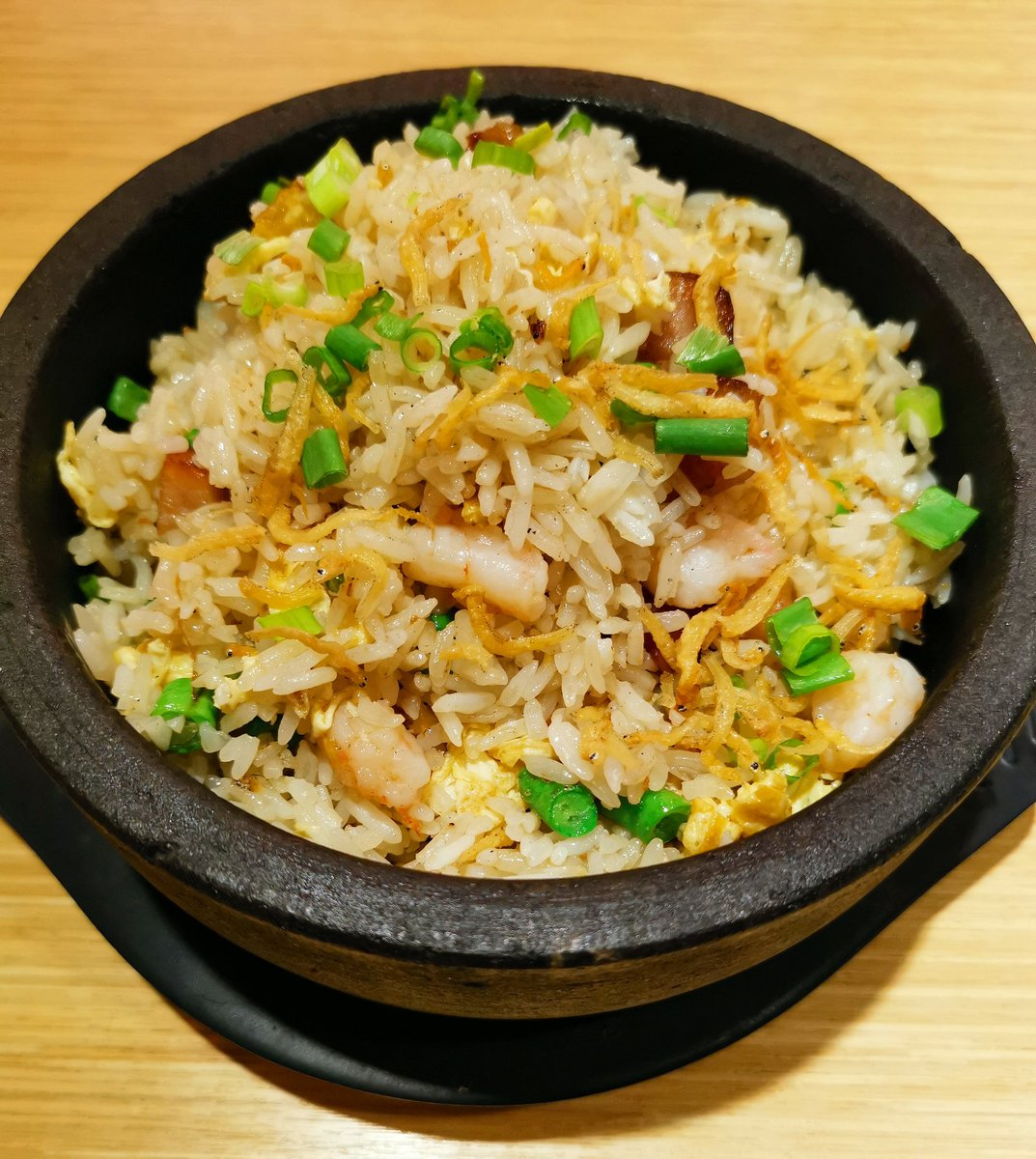 Yangzhou Fried Rice 🥡🍚🥢 #friedrice #arrozfrito #lunch #almuerzo #ketodiet #healthy #fitness #lifestyle #coffee #tea #dinein #eatout #abendessen #ChineseFood #restaurant #炒飯 #扬州炒饭 #料理写真 #おいしい #저녁식사 https://t.co/x5Q1KwJze5