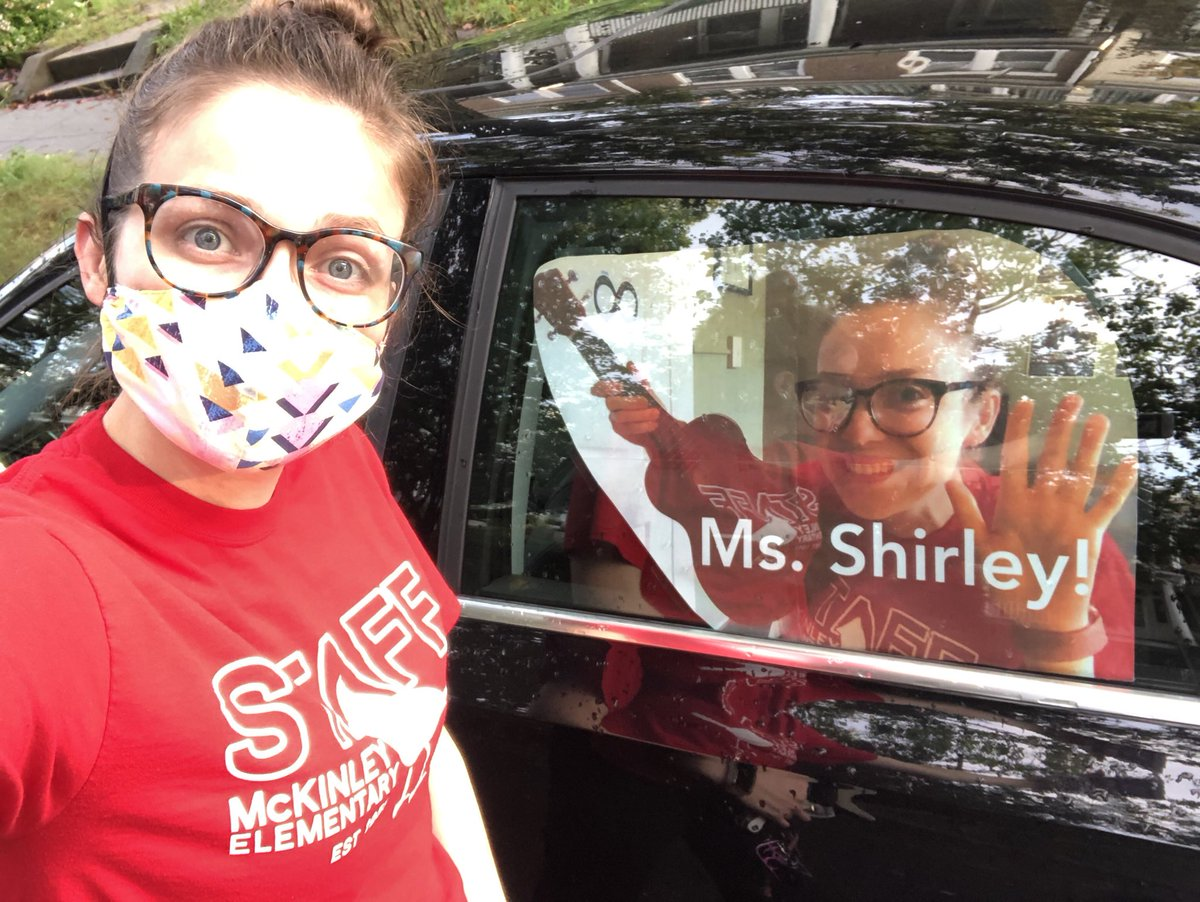 """Paper Ms. Shirley is ready for the <a target='_blank' href='http://twitter.com/APSMcKCardinals'>@APSMcKCardinals</a> Back to School motorcade! Look for """"me"""" in the back of Ms. Bartholomew's car tonight! <a target='_blank' href='http://twitter.com/mckmusicrocks'>@mckmusicrocks</a> <a target='_blank' href='http://twitter.com/APSMcKPR'>@APSMcKPR</a> <a target='_blank' href='http://search.twitter.com/search?q=APSBack2School'><a target='_blank' href='https://twitter.com/hashtag/APSBack2School?src=hash'>#APSBack2School</a></a> <a target='_blank' href='https://t.co/evslK0wLbh'>https://t.co/evslK0wLbh</a>"""