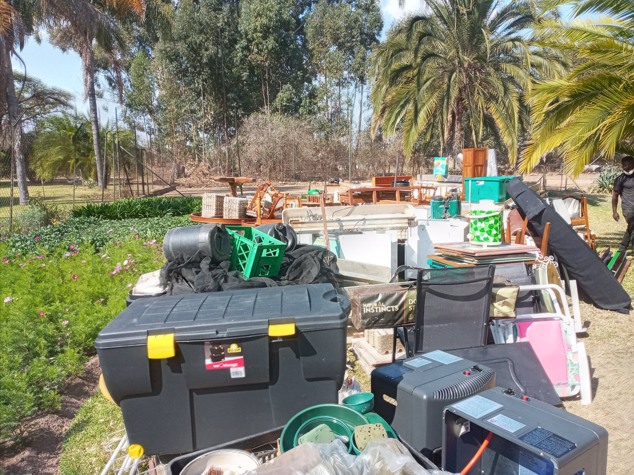 PICTURES: Evicted Farmer Martin Grobler's Property Thrown Out ⋆ Pindula News