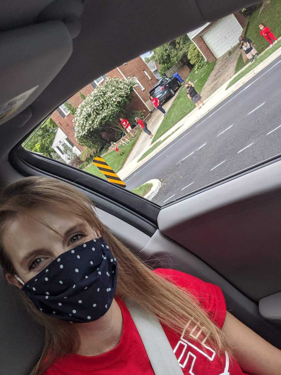 This is the face of one happy teacher!! So glad I got to see so many of you at the McK Motorcade today! <a target='_blank' href='http://twitter.com/APSMcKCardinals'>@APSMcKCardinals</a> <a target='_blank' href='http://twitter.com/chbrownmckcard'>@chbrownmckcard</a> <a target='_blank' href='http://twitter.com/GMilleratMES'>@GMilleratMES</a> <a target='_blank' href='http://search.twitter.com/search?q=APSBack2School'><a target='_blank' href='https://twitter.com/hashtag/APSBack2School?src=hash'>#APSBack2School</a></a> <a target='_blank' href='https://t.co/0V8yDZOIID'>https://t.co/0V8yDZOIID</a>