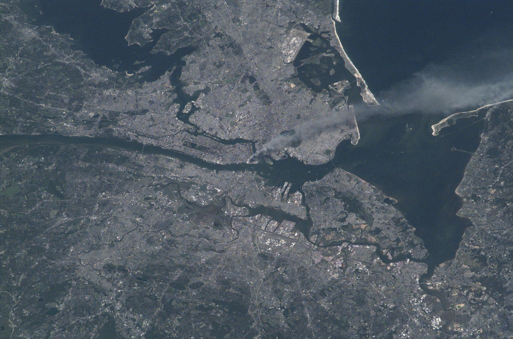 Never forgotten. We honor and remember the nearly 3,000 lives lost and the heroes that gave everything in service. This picture was taken on the morning of the attacks on 9.11.2001 by Frank Culbertson of @nasa from the @Space_Station. https://t.co/b1uVsMyJ8r