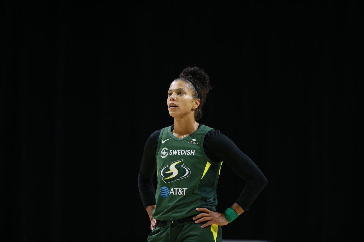 Alysha Clark is the best defensive player in the @WNBA. That's it. That's the tweet.  @Alysha_Clark  #ACDPOY #StrongerThanEver https://t.co/kwg6mSZQsk