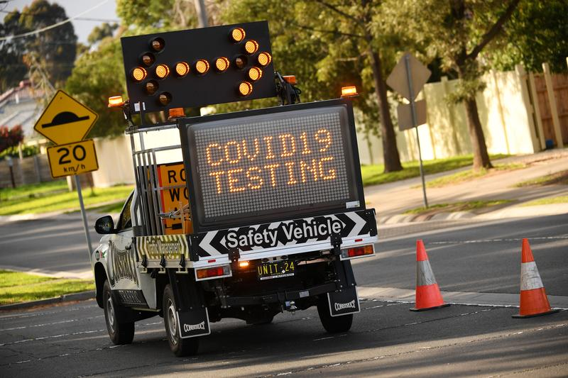 Australia coronavirus deaths pass 800 but new daily infections fall https://t.co/eiVHQcBXHw https://t.co/mxtraPDsQh