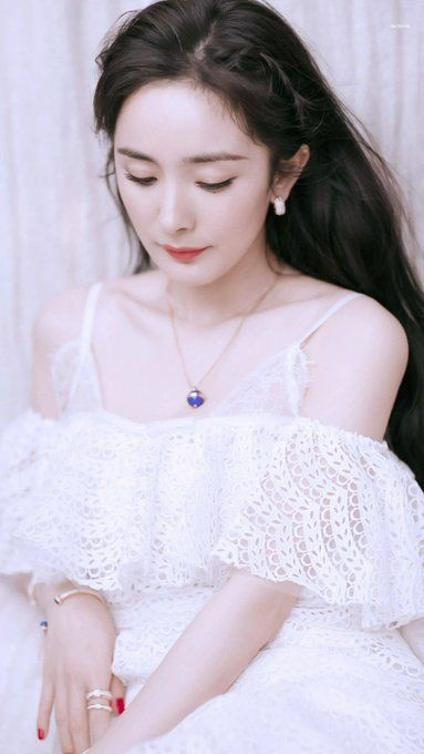 """Happy birthday to the Goddess of China and Queen of cdrama  \""""Yang Mi\"""""""