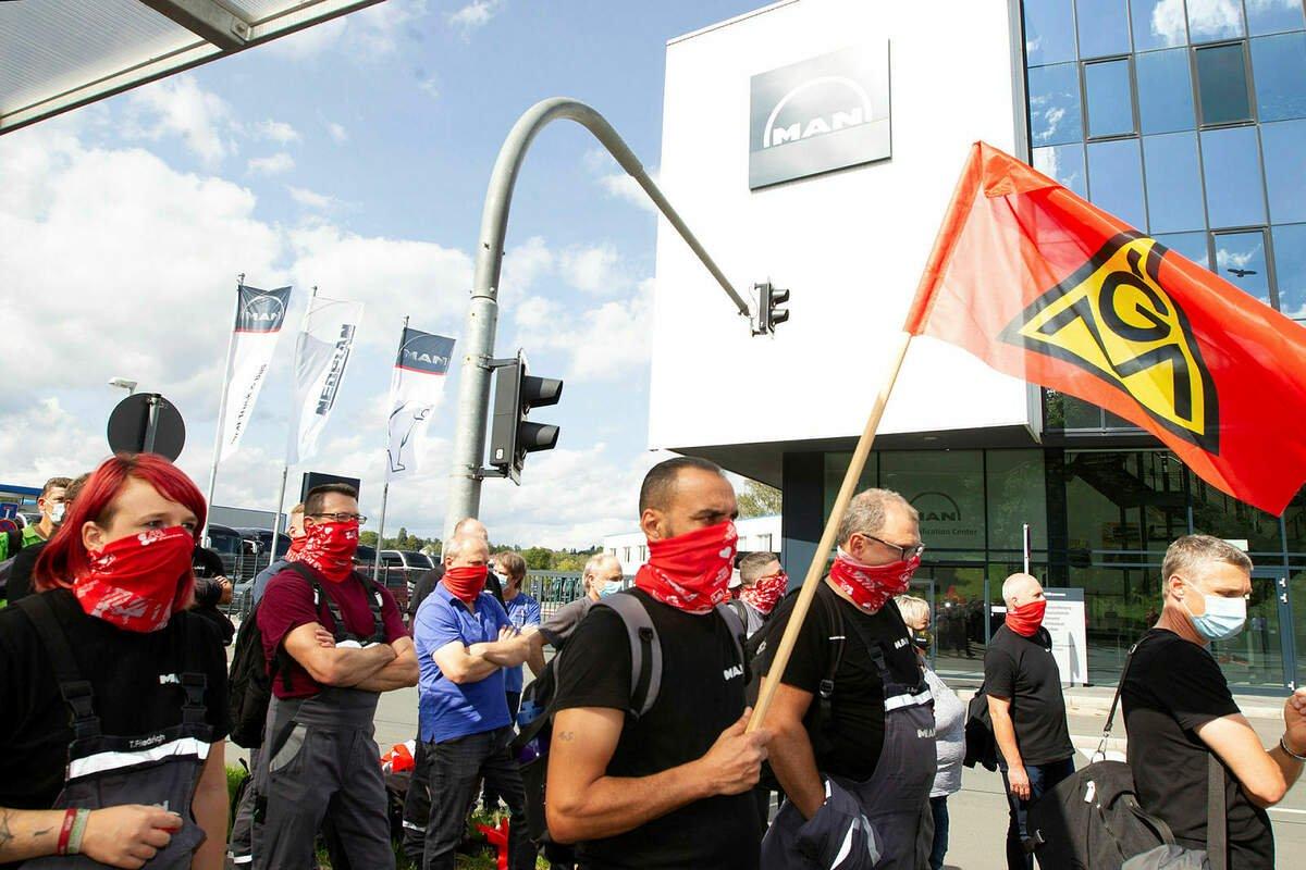 #MAN-Werk in #Plauen droht die Schließung: 150 Mitarbeiter bangen um ihre Jobs.  https://t.co/852g441YYf https://t.co/TJBtgXr1zv