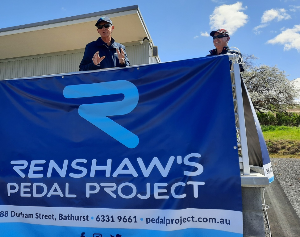 With @Mark_Renshaw on commentary duties with @SBSSport @CyclingCentral - His Dad Mick had to step in to welcome everyone to the 2020 @PedalProject_ Hurt on Dirt Cycle Race in Bathurst today.. @oliversracing Will Hodges winning A Grade from teammate TomBolton- LukeTuckwell 3rd https://t.co/AiNA84Fomb