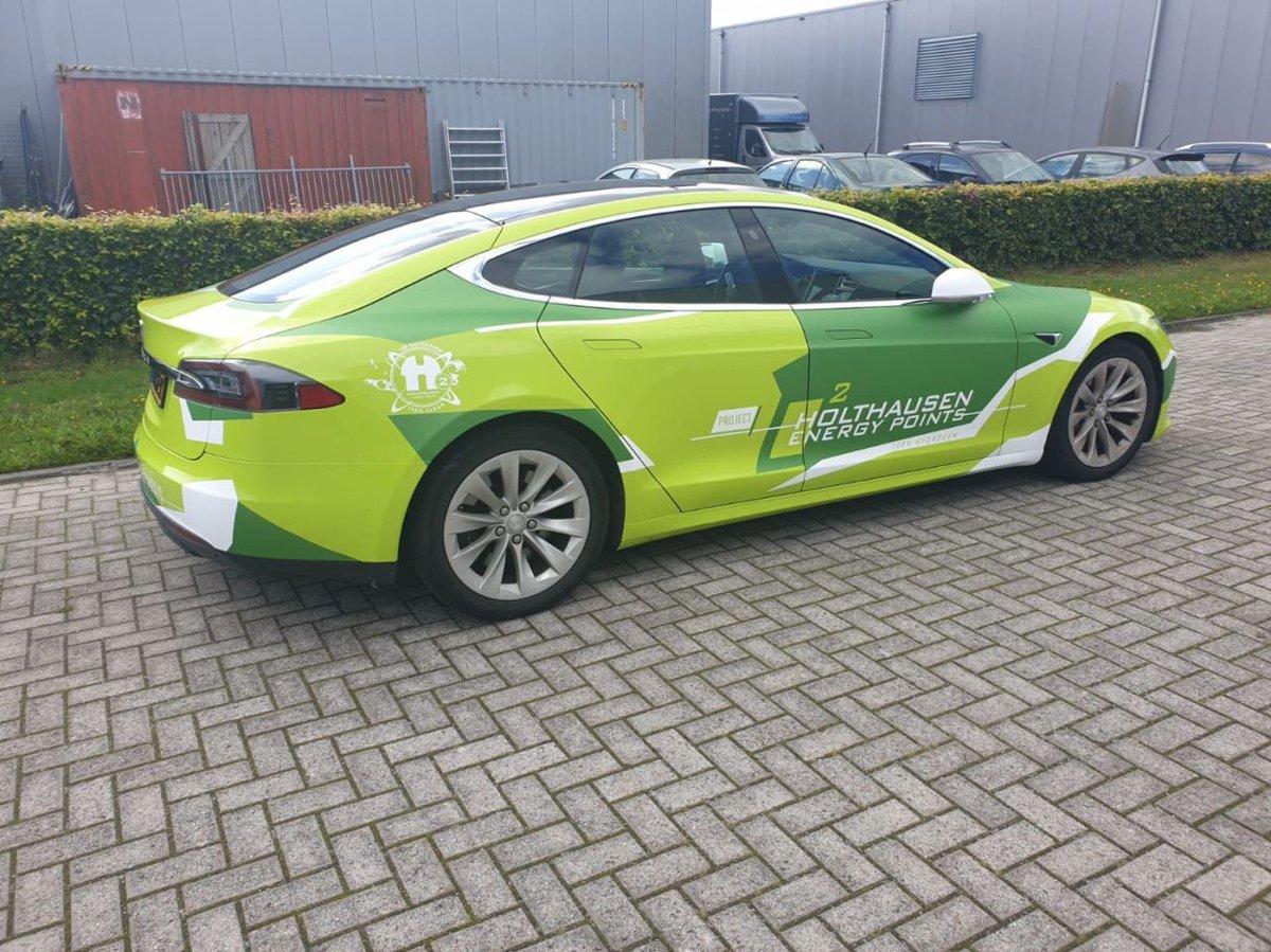 Onze promotie auto is klaar, en voorzien van een super flitsende wrap. Holthausen Energy Points BV groene waterstof tankstations in oa Amsterdam en Groningen en groengas in Hoogezand. #waterstof #snelladen @PortofAmsterdam @gem_groningen @provgroningen @AmsterdamNL https://t.co/lrktIorjop