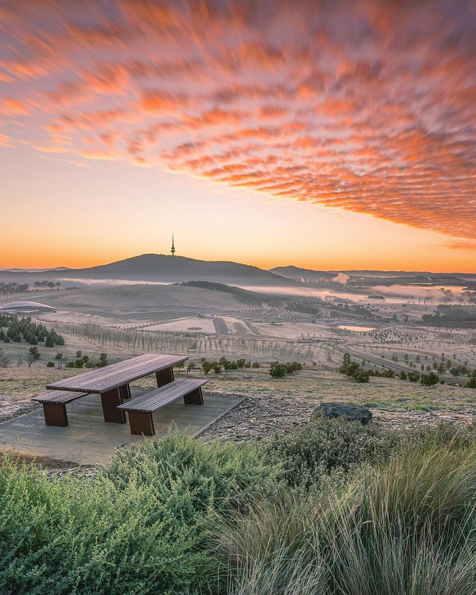 We've saved you the best seat in the house 👌  IG/dean.ohlmus braved a chilly @visitcanberramorning to capture this glorious view at #sunrise, taken from the #NationalArboretum.  #seeaustralia #visitcanberra https://t.co/l4PlIS4eiz