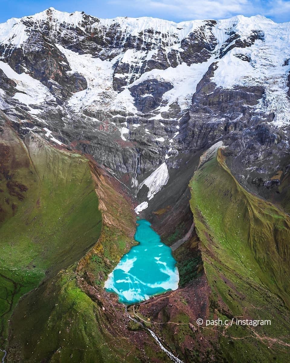 残暑が厳しい日本…。#ペルー の氷河🏔❄️の画像でクールダウン。サルカンタイ山の涼しい風を感じれるかな?良い週末を〜✨  #意外性大国ペルー #旅 #おうち旅行 #エア旅行 #バケットリスト #目で楽しむペルー旅行 https://t.co/d6NI4hcnah