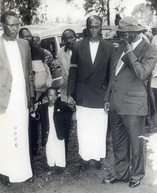 Congratulations to @KingOyoOfficial as he celebrates his 25th coronation anniversary. I join the people of Tooro and other Ugandans in wishing the king good health, a long life and prosperity for his subjects.