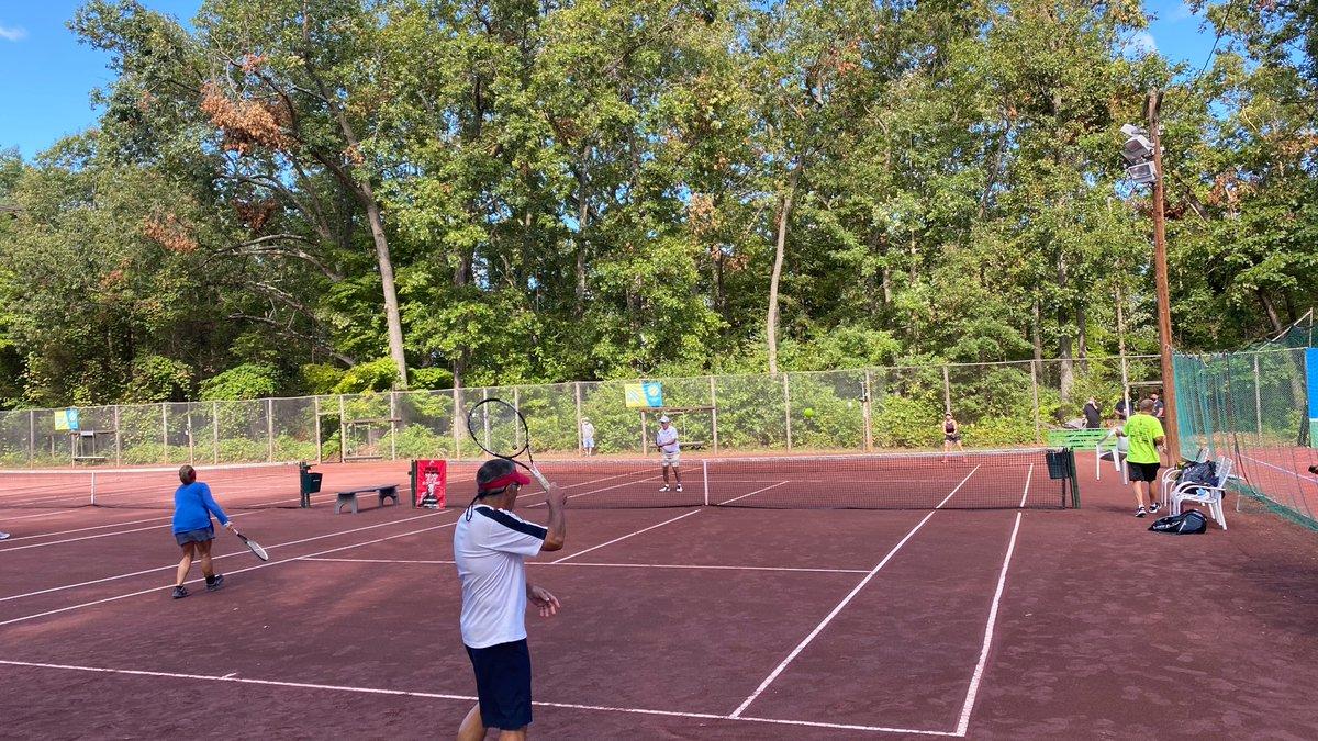 Live at Copper Valley Court! #Rematch#Tennis 🎾  @GovNedLamont @SenatorFasano @RepNKD https://t.co/sSyuSj571h