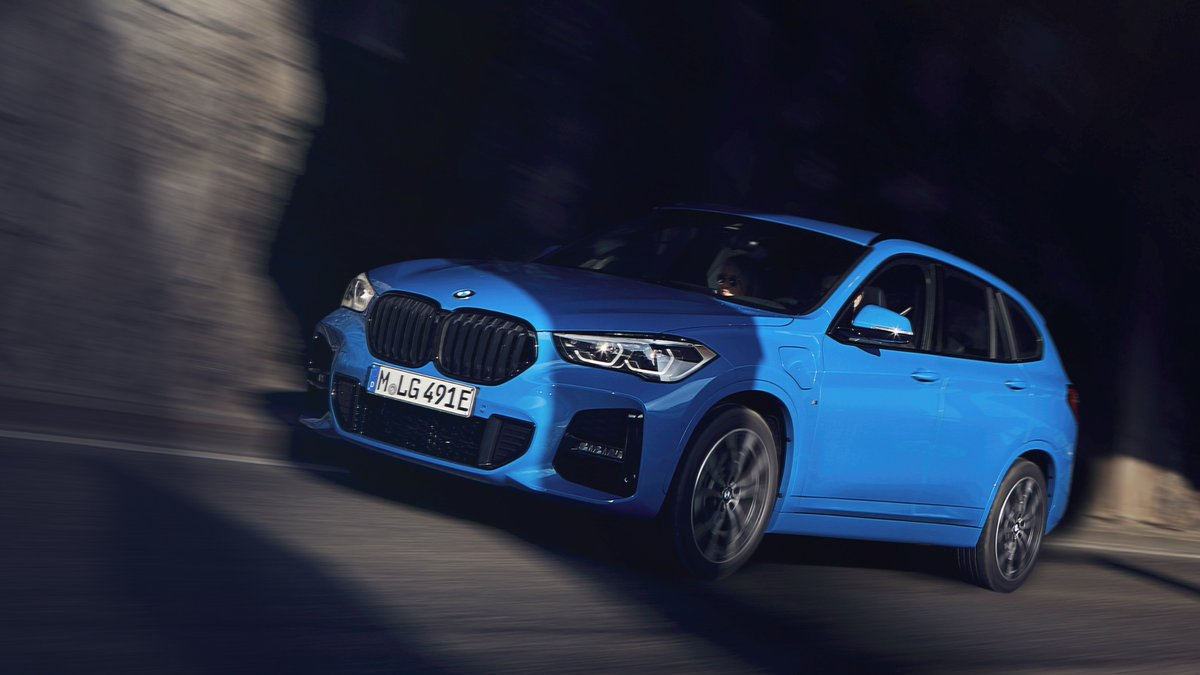 Uplifting blue energy. #TheX1 #pluginhybrid  The #BMW X1 xDrive25e. Energy & Fuel consumption (combined): 14.3–13.8 kWh/100 km, 2.1–1.9 l/100 km. CO₂ emissions (combined): 48–43 g/km. https://t.co/yQmOcndY4R https://t.co/yQmOcndY4R https://t.co/wphAA7fYxG