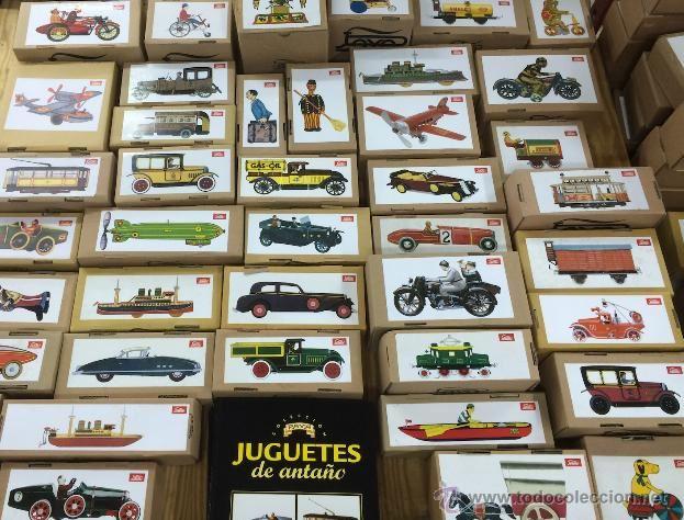 """Colección completa de """"Juguetes de Antaño"""" de Payá (año 2004, editorial Altaya).  Se compone de 3 tomos encuadernados y los 50 juguetes, en su caja, sin estrenar:  https://t.co/rJAODkxLrP https://t.co/BW5RflABcg"""