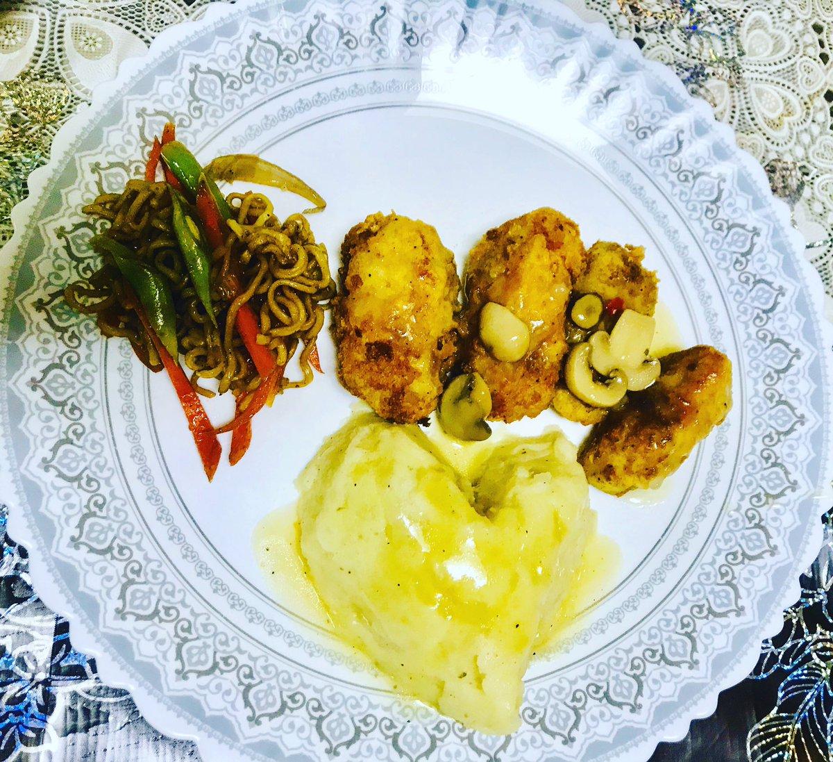 Mi Casa de Bedats 😂 mangaon! 🥘   #homecooking  #foodie  #foodlife  #foodporn https://t.co/aerZPKY3K0