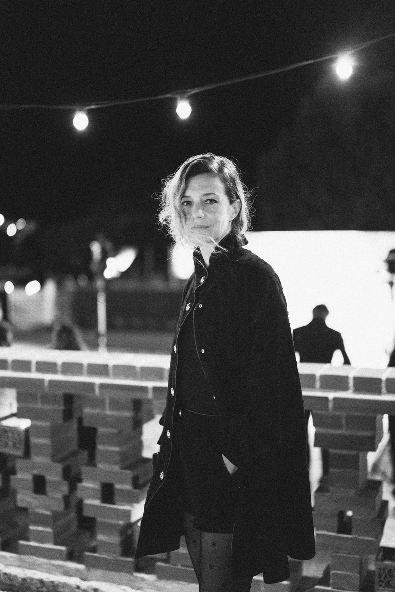 Céline Sallette appeared at the annual Madame Figaro dinner for the Deauville American Film Festival in a black look in leather from the CHANEL Fall-Winter 2020/21 Ready-to-Wear collection. #CHANELinCinema #CHANELFallWinter #CHANELMakeup https://t.co/cD5FJ7hAhi