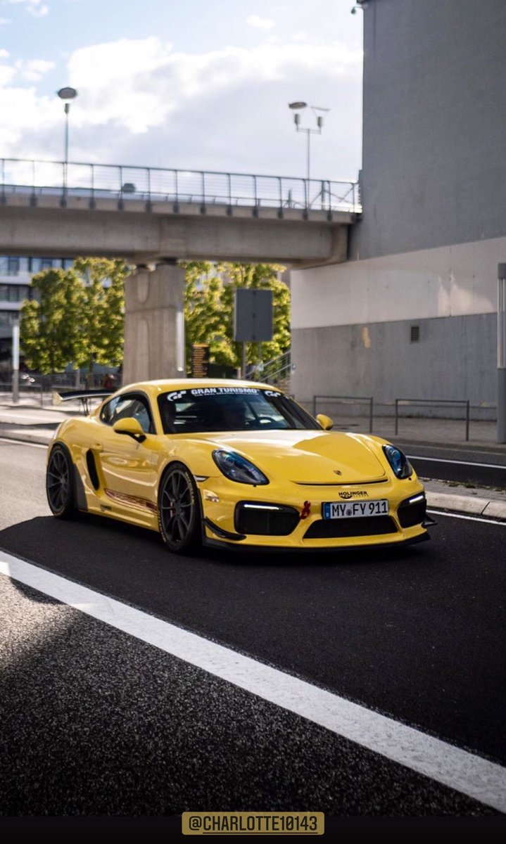 Racing Yellow #CaymanGT4 https://t.co/ZgmndvfkYh