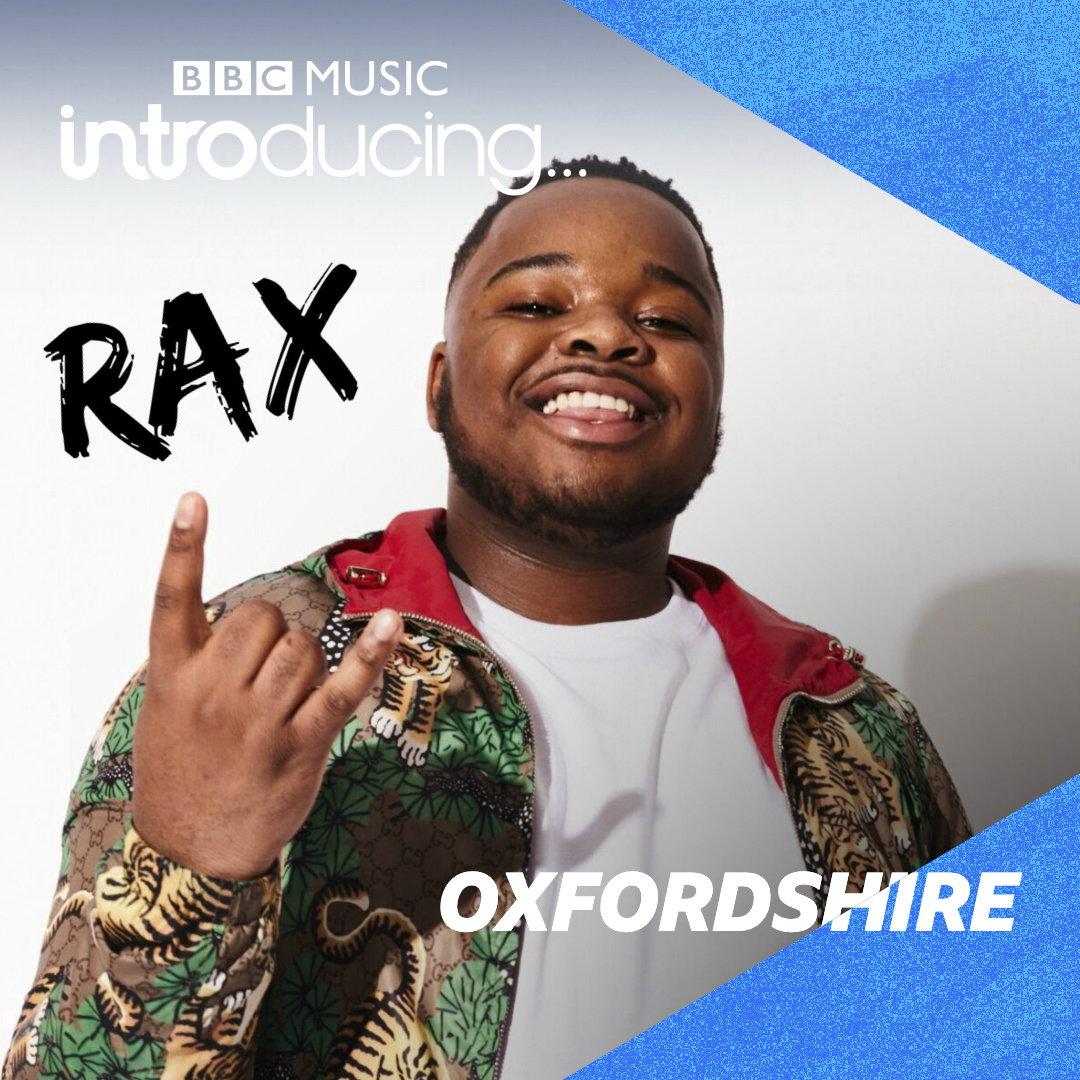 Tonight from 8⃣: @DaveGilyeat catches up with @S1MBA & @raxprods! 😃  Plus @NightshiftMag Editor Ronan Munro recommends @halfdecentmusic & there's loads of new music from #Oxfordshire! 😎🤘  ▶️ https://t.co/GKm6pZhh7s https://t.co/uJuS6LDTiN
