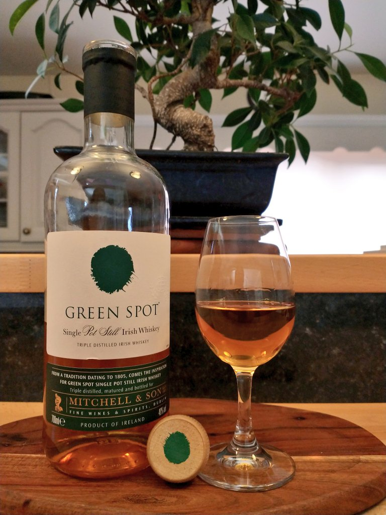 Moving on for next up for  #SaturdayNightSip   I'm having the always good @mitchellandson #GreenSpot for my second... can sometimes forget about whiskeys like these with so many new ones out there..  Hope you are enjoying the weekend & can join in with #SaturdayNightSip https://t.co/zrXZOT0Igo