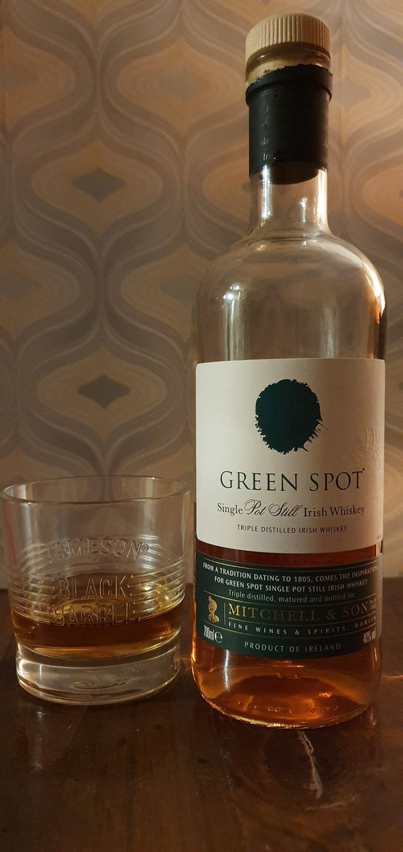 @whiskeytalk2U @mitchellandson @bogstandarddram @Graham__Coull @oconnelldaithi @irishwhisky88 @thepaddyprince @Mark_Whiskey @Bill_Linnane @brjrklhr @SpiritAndWood I will join you with a drop of #Greenspot Ivor for my first #saturdaynightsip   Sláinte all 🥃 https://t.co/qw4wwUCZr7