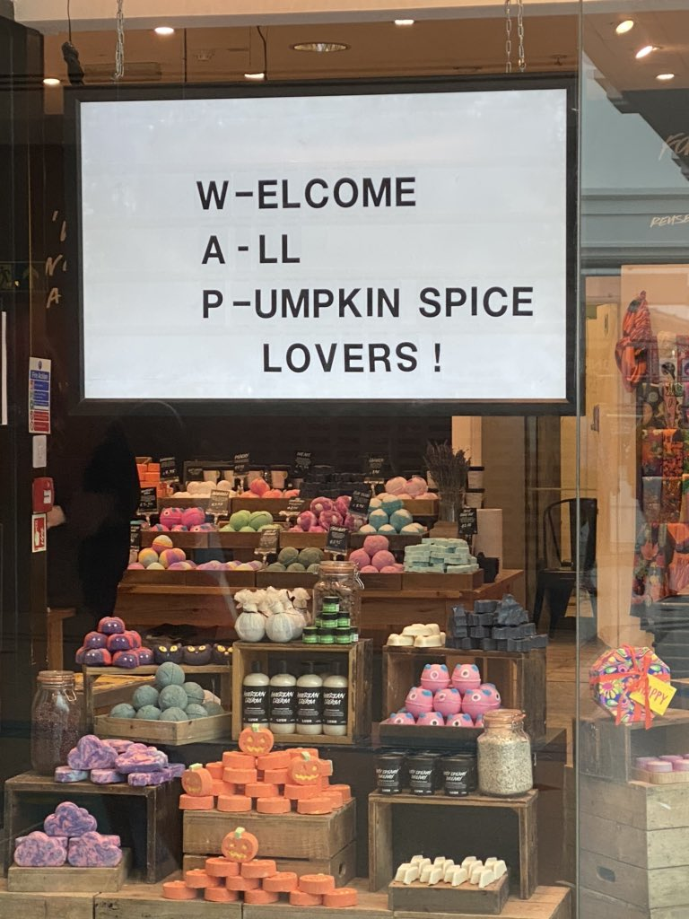 I love autumn! And the sense of humour at my local Lush store https://t.co/heRB5CRKkL