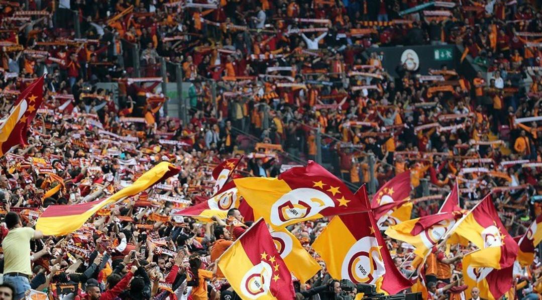 Şereftir seni sevmek... #Galatasaray https://t.co/SdUqFoE5rE