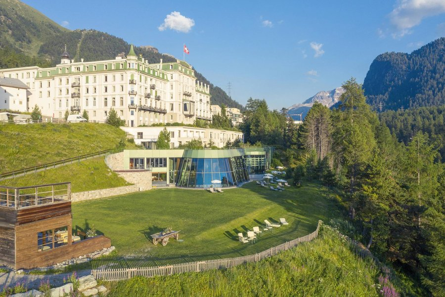 The Grand Hotel @Kronenhof and @Kulm_Hotel in St. Moritz have set forth to share one of the region's best-kept secrets: Swiss wine: https://t.co/iGxCCgEgPk https://t.co/KaX30P5F71