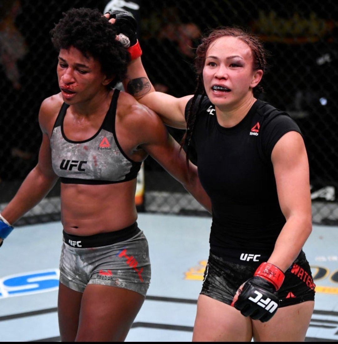 Helluva fight! Hats off to both ladies. #UFCVegas10  Must be #FOTN 💰 https://t.co/yPoQ2hTJQP