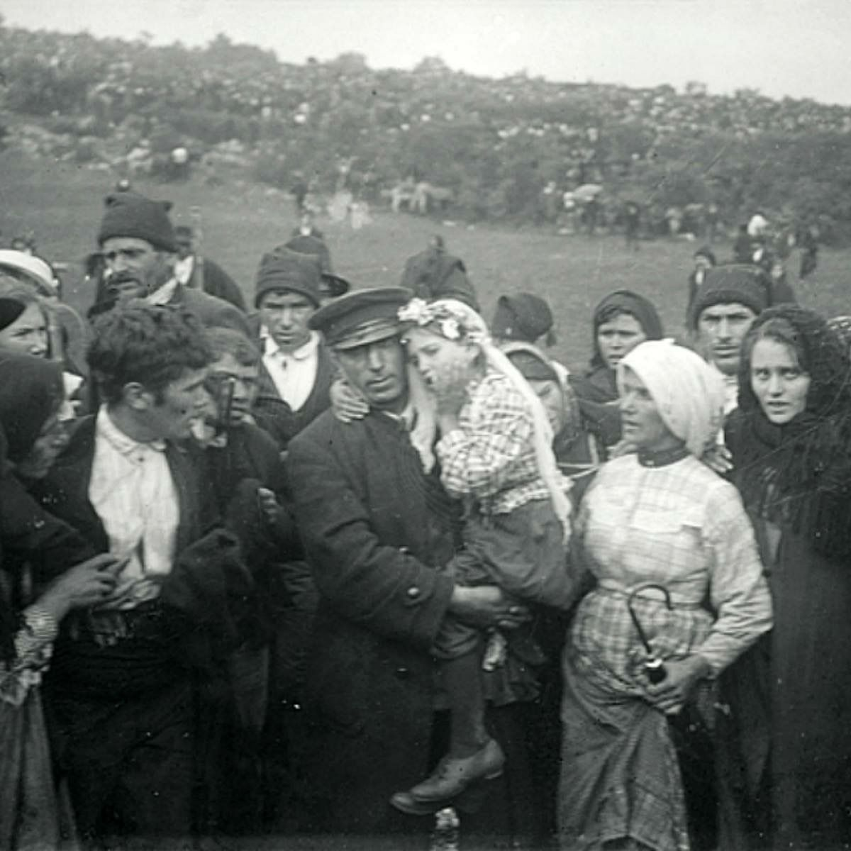 """Catholic Sat on Twitter: """"On September 13th, 1917, the Blessed Virgin Mary told the three Shepherd Children of Fatima to """"Continue to pray the Rosary to obtain the end of the war."""