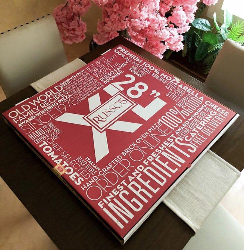 @beDalnow @SaudiGuides ممكن إذا صاحب البيرثدي يحب البيتزا 🍕 بيكون خيار جميل بيتزا كبيرة مكتوب عليها Happy Birthday وبالنوع المفضل من RUSSO'S NEW YORK PIZZERIA (روسوز نيويورك بيزاريا) #الرياض مثل الصورة👌🏻 وهذا رابط حسابهم على إنستقرام  https://t.co/D6SC1laLPr وعندهم رقم خدمة العملاء وطلبات المناسبات. https://t.co/r3Z40jxMeG