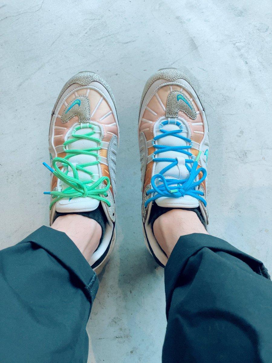 今日の一足。 AirMax98のNYC。 買った当初はそんなに履かないかなと思ってたけど、ちょいちょい履いてる。 #nike #airmax #sneakers #snkrs #todayssneakers #airmax98 #airmaxday #nyc https://t.co/5g3cRtTEC7