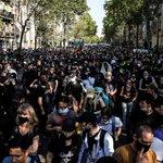 Image for the Tweet beginning: Frankrig registrerer 10.000 smittede på