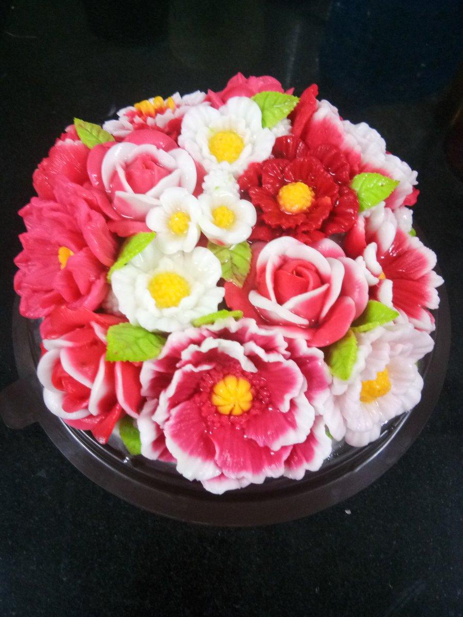 เค้กวุ้นดอกไม้โทนสี แดง สนใจติดต่อ:092-710-1892 🆔: kookai0209  #วุ้น #วุ้นแฟนซี #วุ้นดอกไม้ #วุ้นกะทิ #วุ้นหมี #วุ้นกุหลาบ #งานศิลป์กินได้ #เค้กวันเกิด  #เค้กวุ้น #ขนม #ขนมไทย #อร่อย #ไอเดียของขวัญ #ขนมหวาน #ขนมจัดงานเลี้ยง #ของขวัญวันเกิด #ของขวัญ  #ของขวัญให้คนพิเศษ https://t.co/kvGGxWRAA0