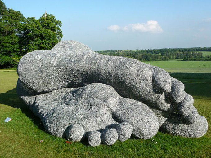 Sleeping Feet by UK sculptor Sophie Ryder #womensart
