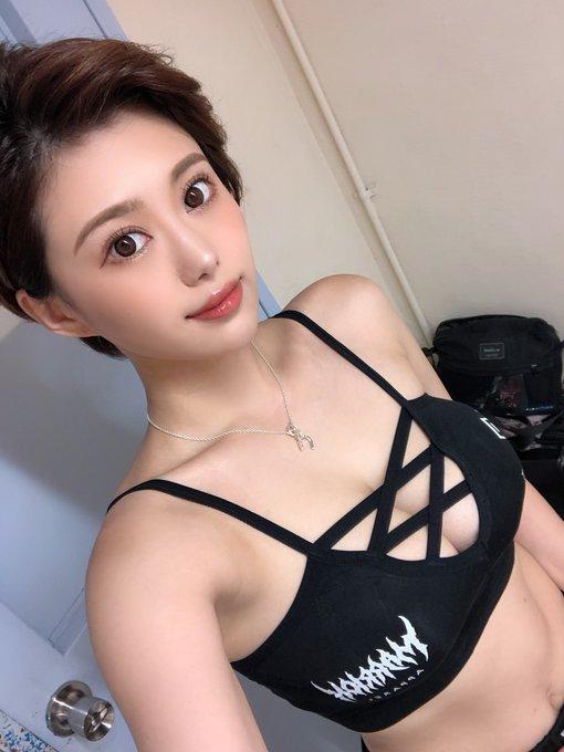 グラビアアイドル山本ゆうのTwitter自撮りエロ画像10