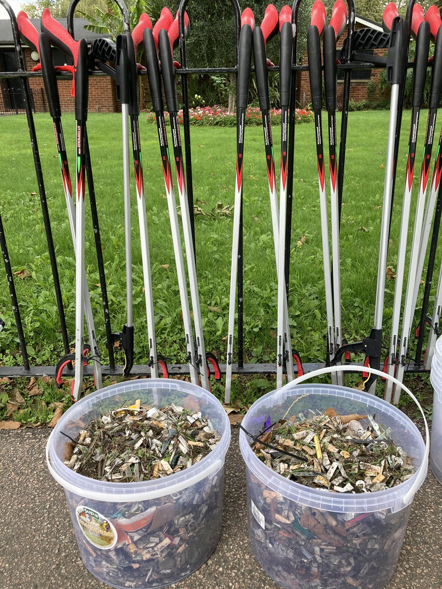 @clarinette @jonburkeUK Thanks to the efforts of our lovely litter pickers #Londonfields is less soiled, and after much lobbying there's no #bbqs anymore. Love Epping too but we're working to make our park better too. #hackney https://t.co/paRwAX4SIi