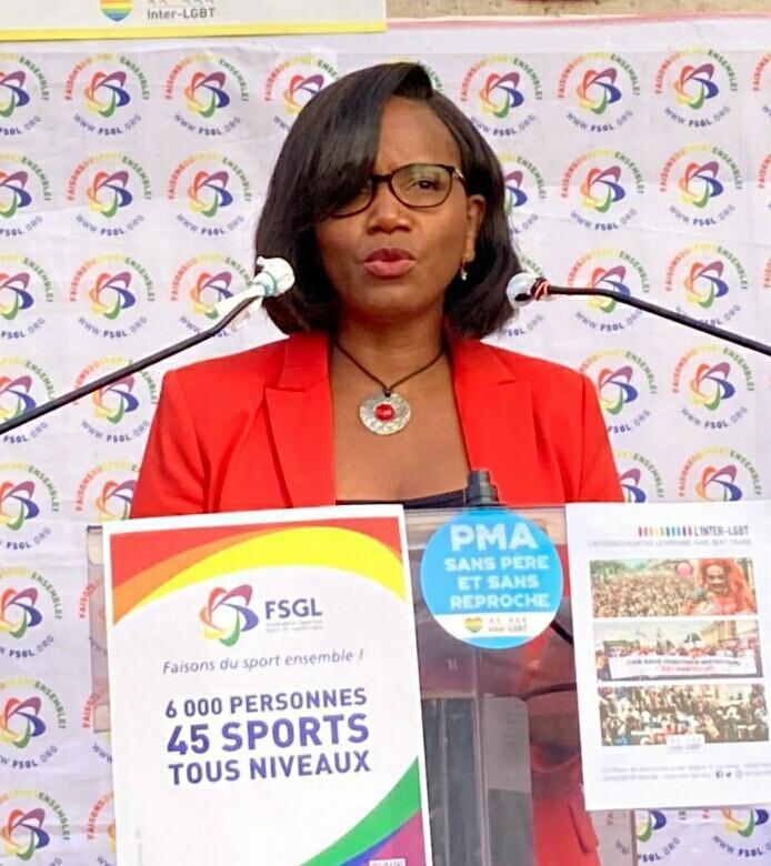 « Le sport est un puissant vecteur d'égalité et de diversité ». Ce matin avec @RoxaMaracineanu à l'ouverture du forum des assos sportives LGBT+ organisé par la @FSGL_org, @InterLGBT et @CentreLGBTParis. Nous sommes mobilisées pour une société plus #inclusive 🏳️🌈 #lgbt #egalite https://t.co/apbqbRwTBF