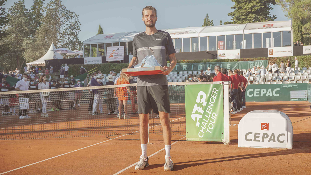 He's baaaaack. 💪  Amazing in Aix. @OscarOtte has his first 🏆 since 2017, prevailing at @OpenduPaysdAix. https://t.co/qbTQ0TUcCB