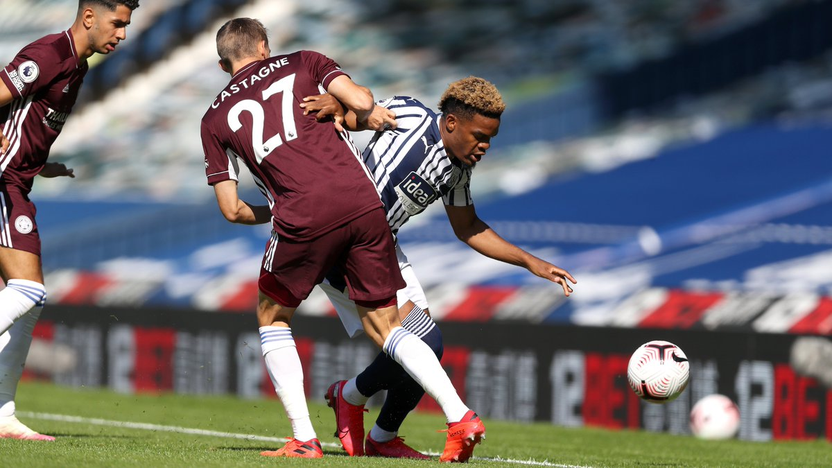 18' | Albion 0-0 Leicester. We've made a promising start and created a few good openings but haven't tested Schmeichel yet. Pereiras just had our best chance so far when his curling free-kick was deflected wide by the wall. Follow the game ➡️ wba.co.uk #WBALEI