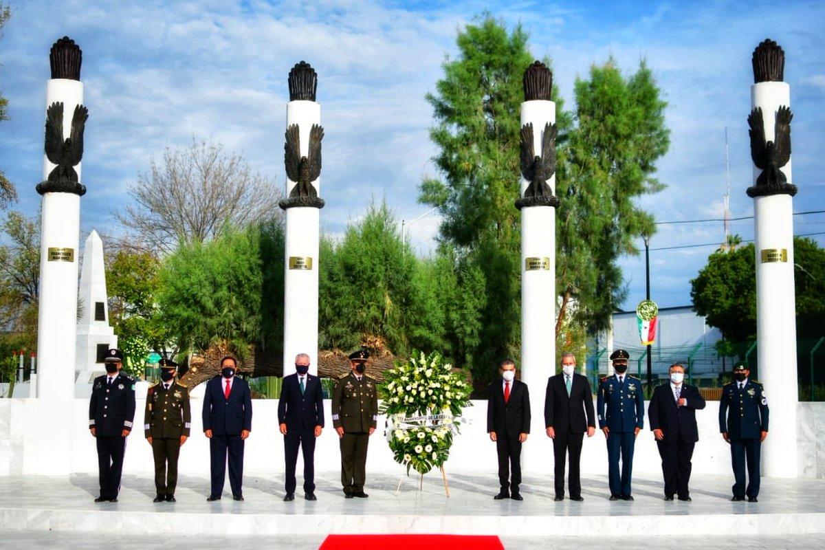 En #Torreón, desde el Monumento a los Niños Héroes de la Plaza de la Tortuga, realizamos una Guardia de Honor en conmemoración del 173º Aniversario de la Gesta Heroica de estos seis honorables cadetes mexicanos. #DíaDeLosNiñosHéroes 🇲🇽 https://t.co/rJ7OEukY4e