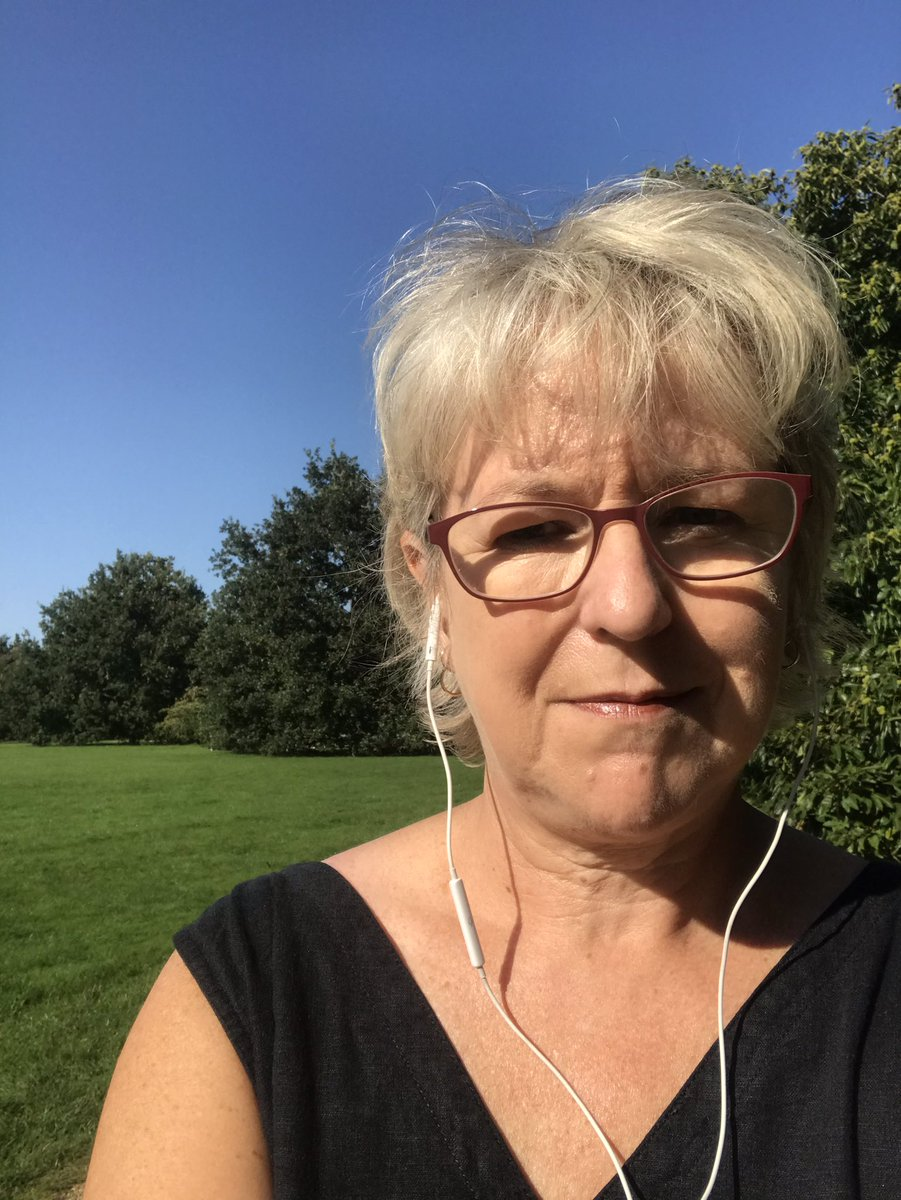 Lovely pm in Parks in Oxford, listening to ODI #SunnySunday #Chillout https://t.co/bDNLdWWIDf