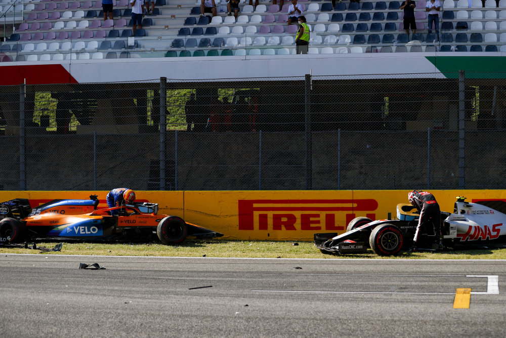 🇮🇹Bad day today. I'm just glad everyone is ok after such a dangerous accident. We need to review in detail what triggered the whole situation so that it never happens again in future races.  👉https://t.co/F156At5hl4  #CarlosSainz @McLarenF1 @EG00 https://t.co/DjfEHauO3I