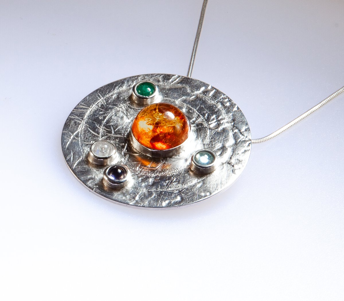 Stunning Round Sterling Silver pendant with Amber, Moonstone, Kyanite, Emerald and Amethyst Stones. Visit https://t.co/OUco8GIlCi for #sterlingsilver #Margriff #London #londonislovinit #earlybiz #sterlingsilver #MondayMotivation #mondaythoughts #MondayVibes https://t.co/j29f7gxLNS