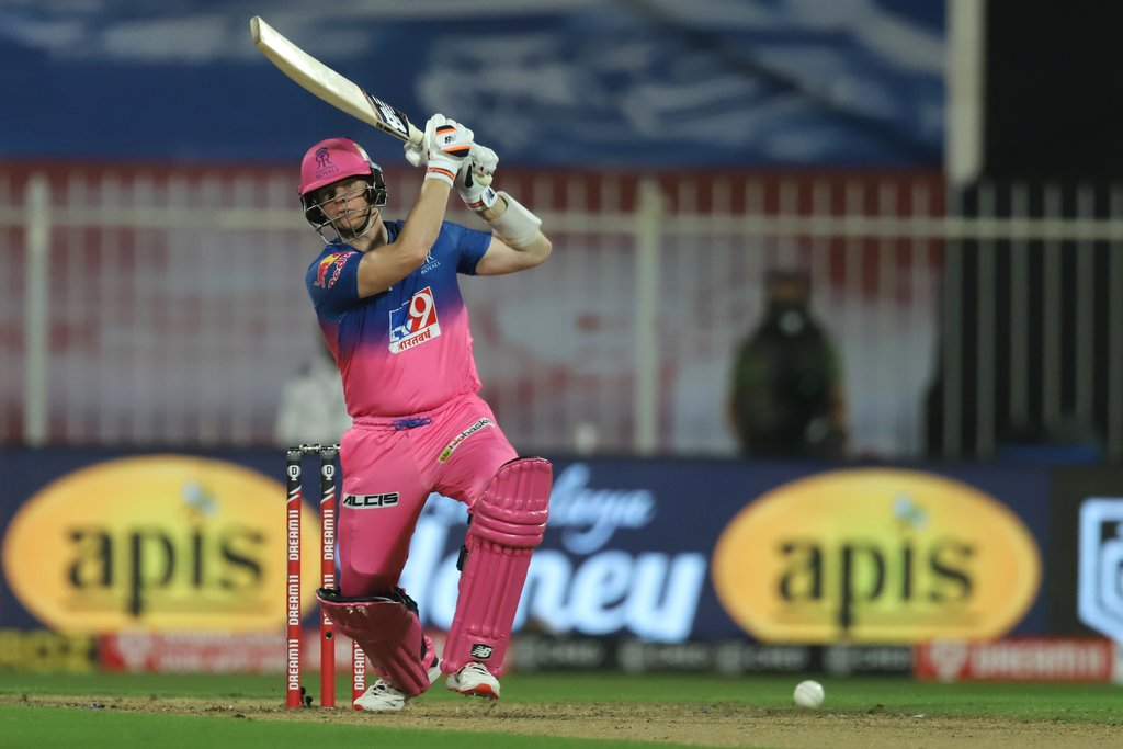@stevesmith49 @IamSanjuSamson @rahultewatia02 respectively scored 50(27),84(45),53(31) to see through their team pull off an unbelievable chase in ipl history, each of the 3 knocks were simply amazing.What a chase last night! #ipl2020 #RRvKXIP #RR #kxip https://t.co/tpxKWyY1IY