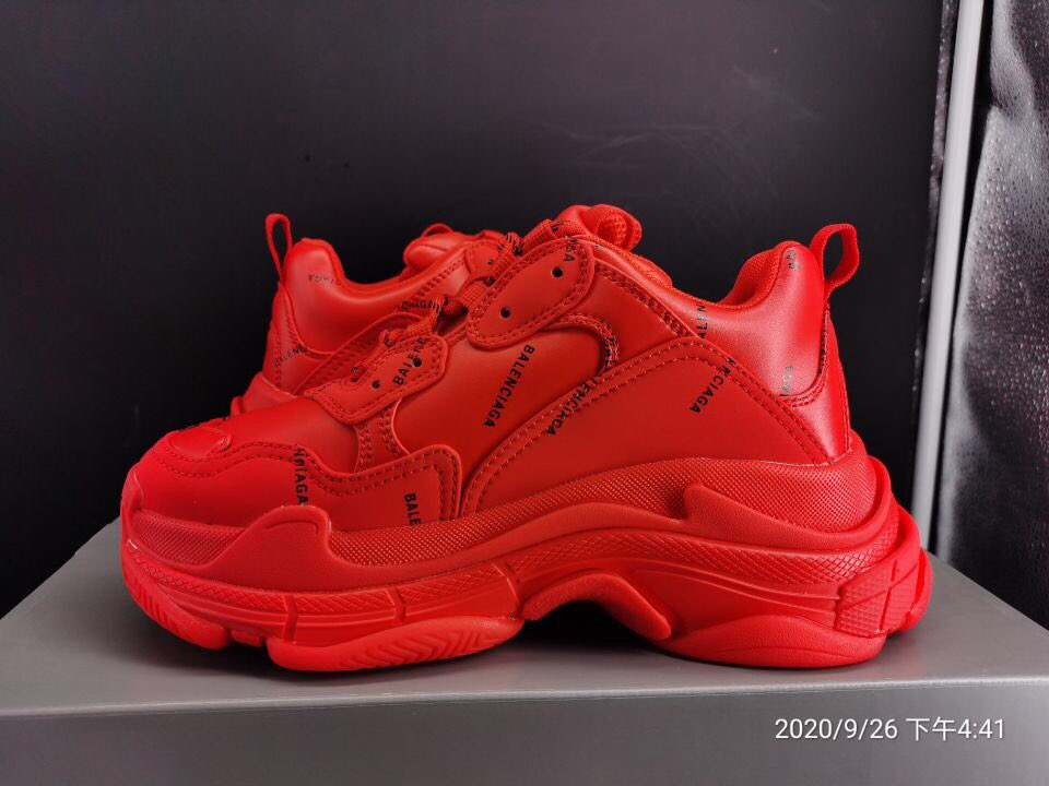 Balenciaga Triple S Red Logo  #tikisneakers #shoes #trainers #sneakers #red #triples #workout #streetstyle #whatiwore #omg #balenciaga https://t.co/qB5V0ppPSE