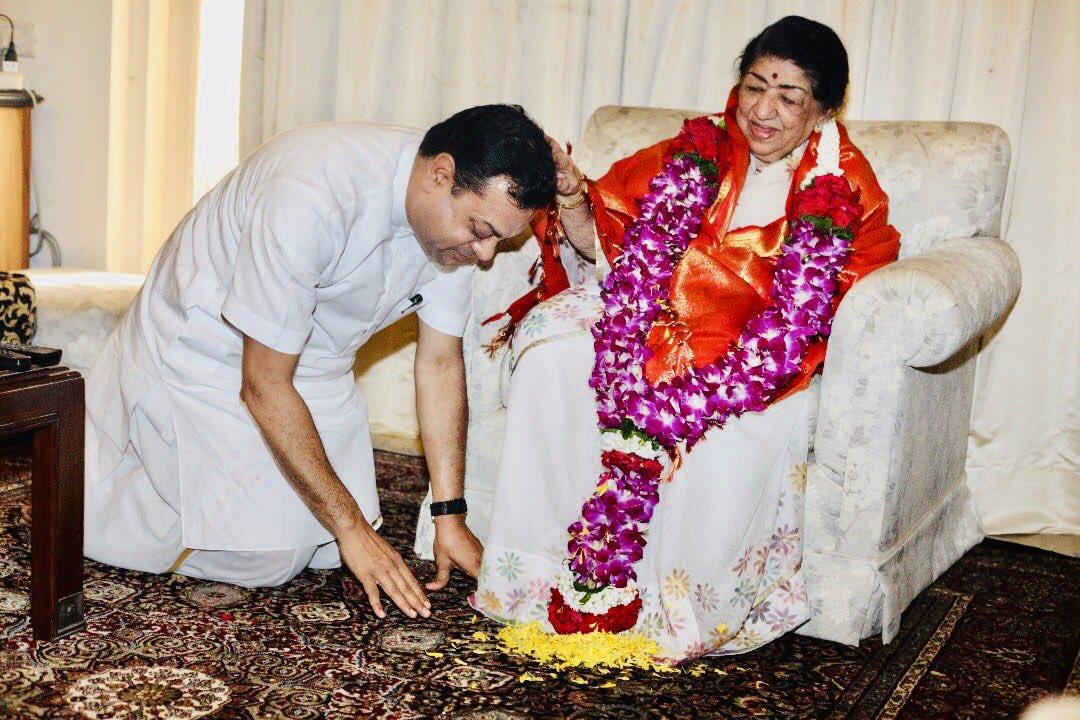 भारत रत्न एवं स्वरकोकिल आदरणीय @mangeshkarlata जी को जन्मदिन की हार्दिक शुभकामनाएँ।